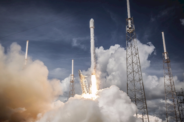 SpaceX Falcon 9 Rakete zur  ORBCOMM OG2 am 14. Juli 2014. (Foto: SpaceX)