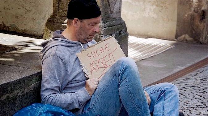 Argumentieren Gegner eines bedingungslosen Grundeinkommens rückwärtsgewandt? (Foto: Clipdealer.de)