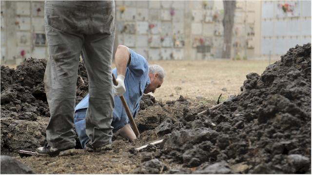 xhumierung in Sizilien (Foto: (c) Manuel Ruge / Zentrum für Politische Schönheit)