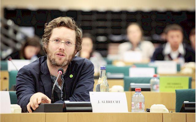 Der EU-Abgeordnete Jan Philipp Albrecht lud zum Kongress zum Thema Polizeiarbeit ohne Generalverdacht. (Foto: European Parliament 2013)