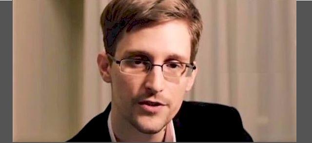 Edward Snowden stellt sich Snowden erstmals weltweit den Fragen eines deutschen Journalisten (Foto: Screenshot YouTube)