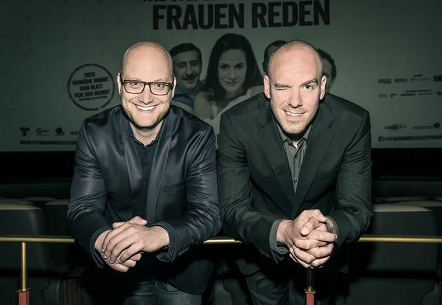 """Die Produzenten Produzenten Björn Birg und Henrik Regel (von links nach rechts) präsentieren die  Filmpremiere """"WMÜFR"""". (Foto: Rolf G. Wackenberg"""