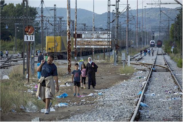 Geflüchtete an der griechisch-mazedonischen Grenze. (Foto: Amnesty International)