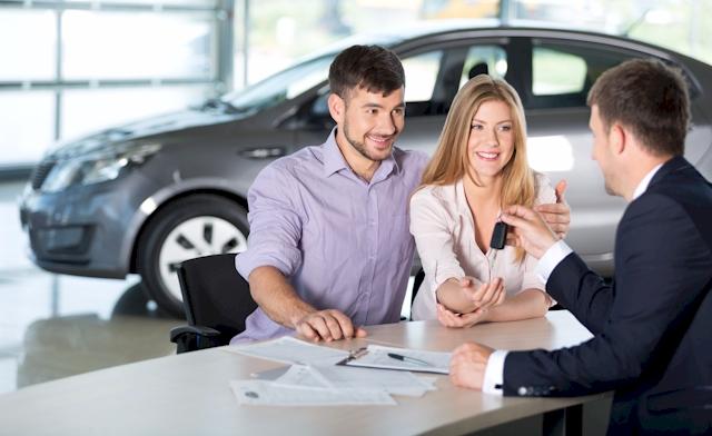 Die Freude beim Kauf eines neuen Fahrzeugs wird oftmals durch lange Wartezeiten auf eine Zulassung getrübt. (Foto: olegdudko /Clipdealer.de)