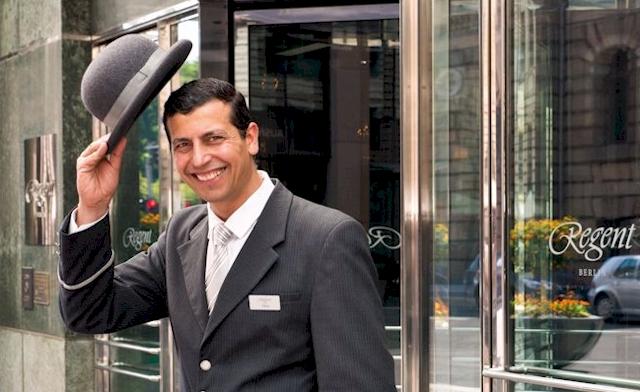 Für das Jubiläum haben sich Direktor Stefan Athmann und sein Team etwas Besonderes ausgedacht: (Foto: regenthotels.com)