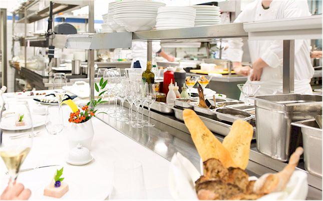 Das 2 Sterne Restaurant Fischers Fritz genießt einen exzellenten Ruf. (Foto: Regent, Berlin)
