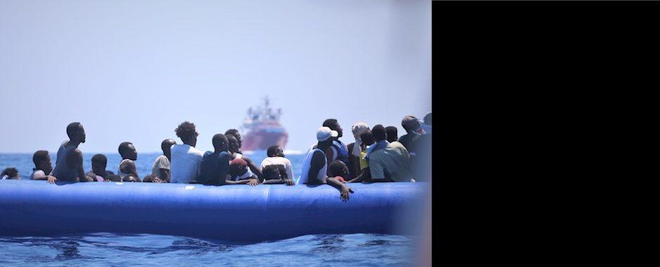 """Seenotrettung: """"Ocean Viking"""" noch immer ohne sicheren Hafen"""