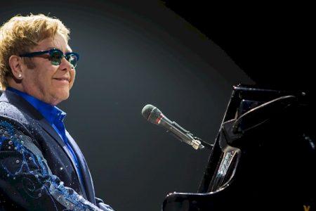 """Elton John mit """"Wonderful Crazy Night"""" Tour in Berlin"""