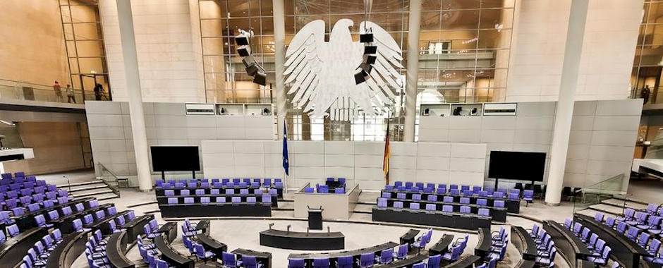 Deutscher Bundestag in Zugzwang